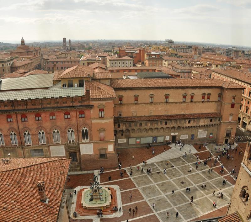 Invasionidigitali Tour delle torri di Bologna